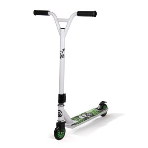 scooter_white__86528.1336209632.1280.1280