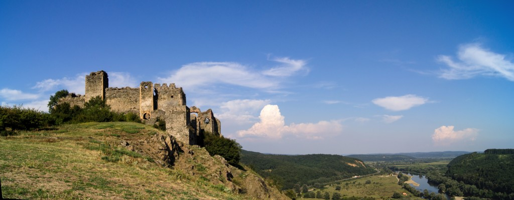 Cetatea_Şoimoş_cu_Valea_Mureșului